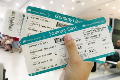 Cách đọc thông tin trên vé và thẻ lên máy bay.