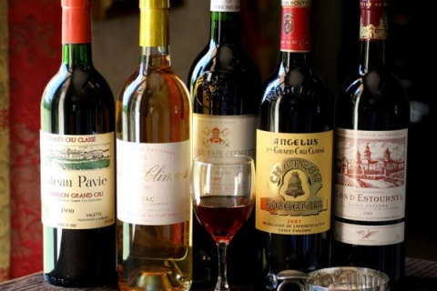 Đi máy bay có được mang theo rượu không